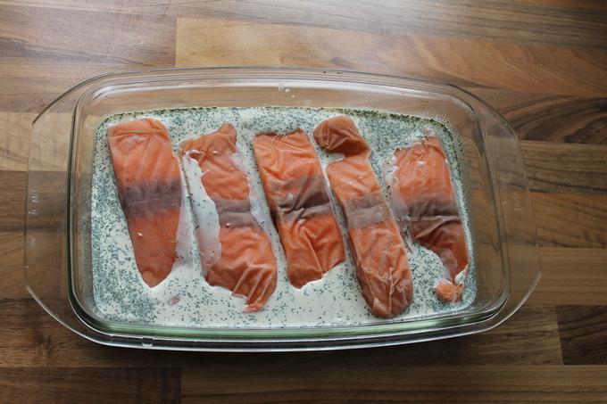 Филе красного лосося в сливочном соусе