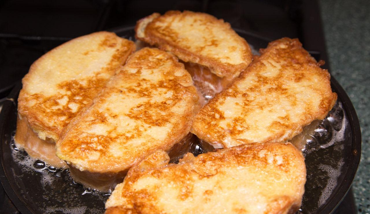 Гренки из хлеба на сковороде